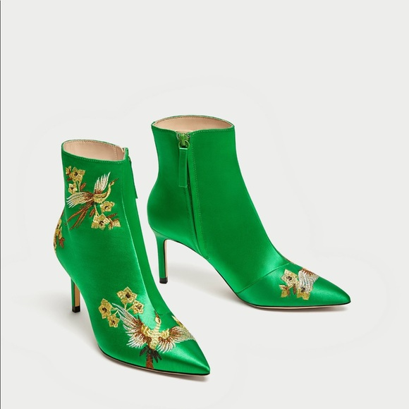 c9d10f586a5 Zara green embroidery satin ankle Boots